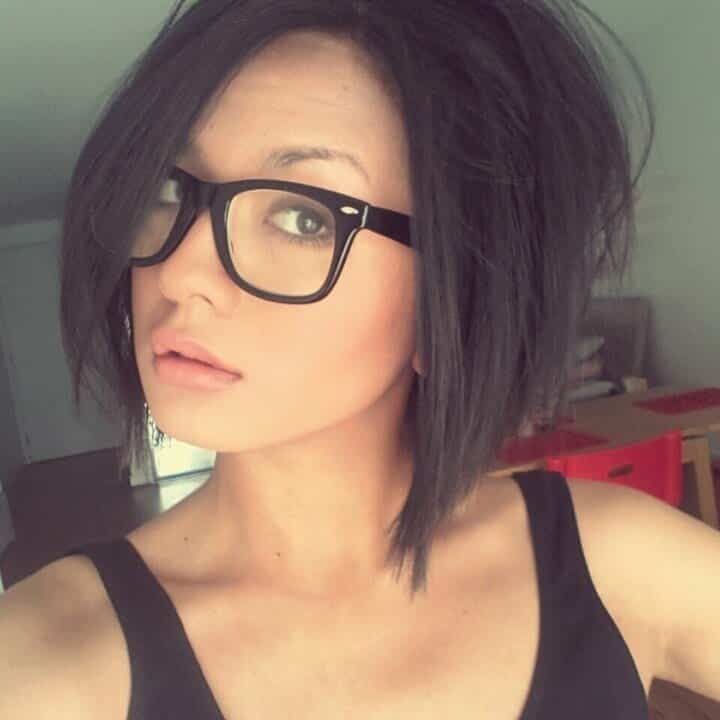 #11 - Shoulder Length Bob Hairdo