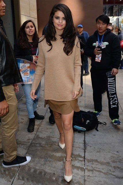 12-A-Distinctly-Shaded-Nude-colored-Outfit Selena Gomez Outfits-25 Best Dressing Styles of Selena to Copy