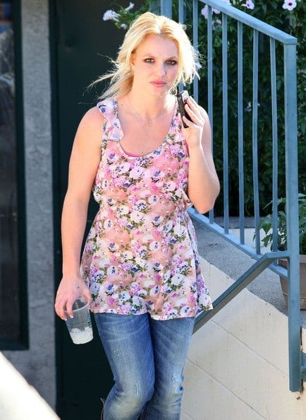 13-A-Floral-Blouse-Summer-Niceness Britney Spears Outfits-25 Best Dressing Styles of Britney to Copy
