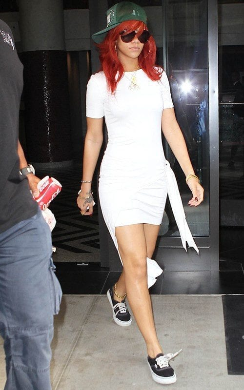 13-Her-Most-Swagger-Sporty-Look Rihanna Outfits-25 Best Dressing Styles of Rihanna to Copy