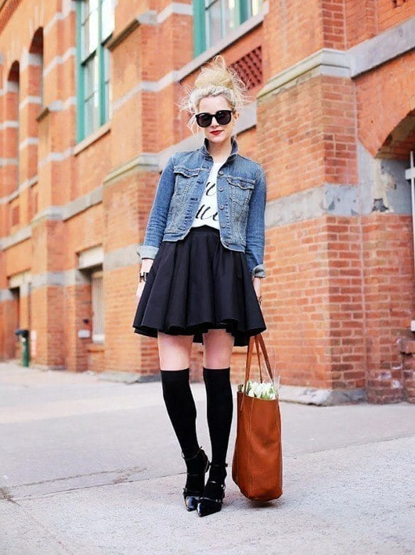 13-Never-Underestimate-Denim-Jackets Graphic Tee Ideas-20 Stylish Outfit Ideas with Graphic Tees