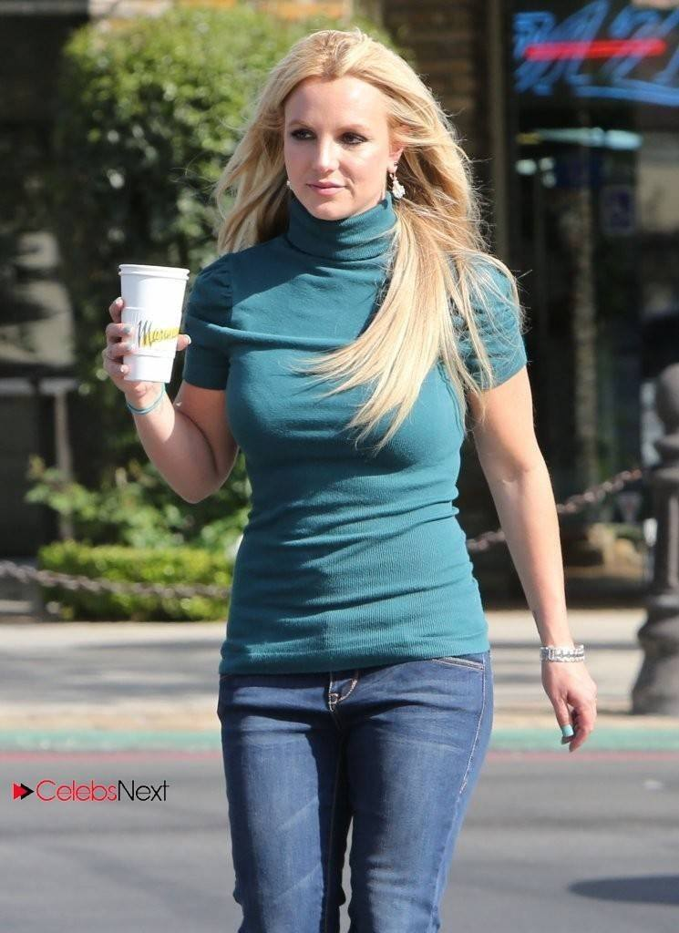 17-A-Marmalade-Times-Outfit-745x1024 Britney Spears Outfits-25 Best Dressing Styles of Britney to Copy