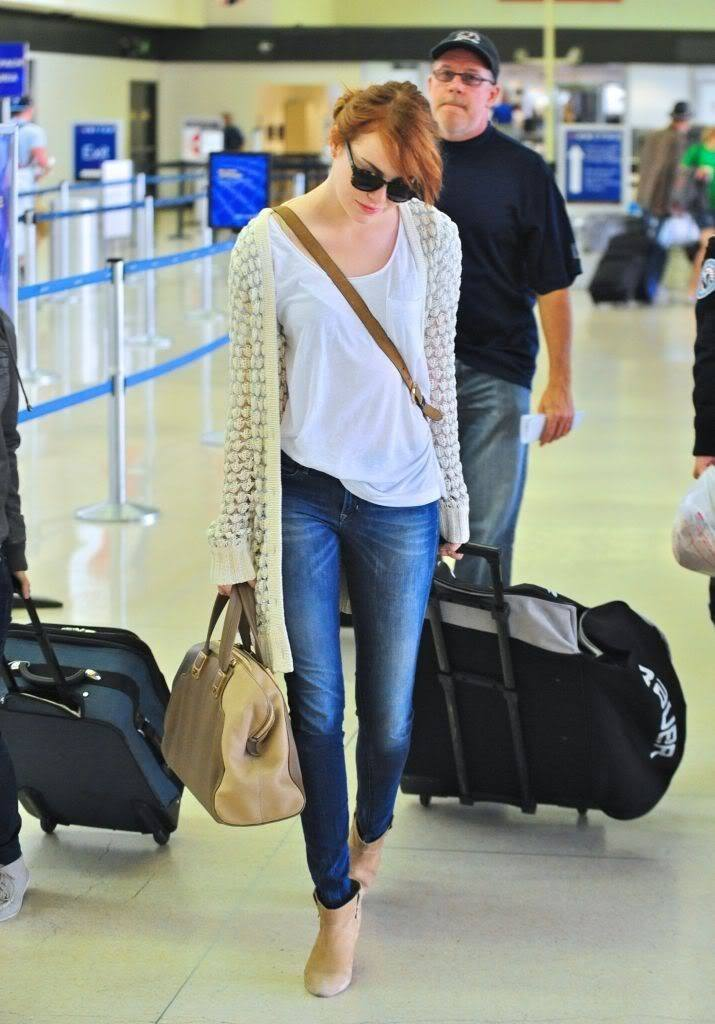 17-A-Pretty-Casual-Style-715x1024 Emma Stone Outfits-25 Best Dressing Styles of Emma Stone to Copy