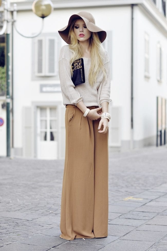 #17 - A Wondrous Nude Street Style Outfit