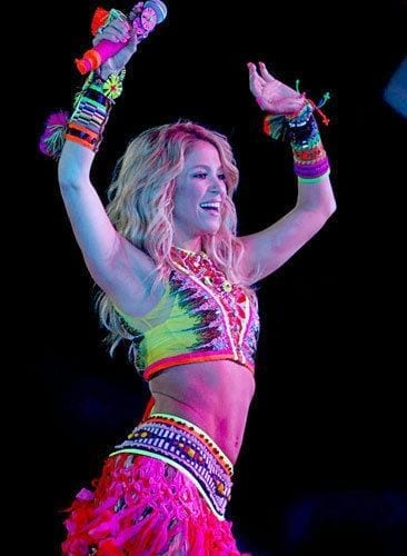 19-A-Popping-Neon-Outfit-2 Shakira Outfits - 25 Best Dressing Styles of Shakira to Copy