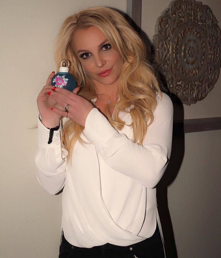 #23 - Her Promotional Swag Look