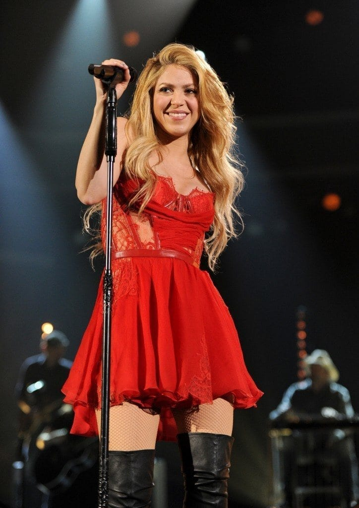 24-A-Lingerie-inspired-Frock-724x1024 Shakira Outfits - 25 Best Dressing Styles of Shakira to Copy