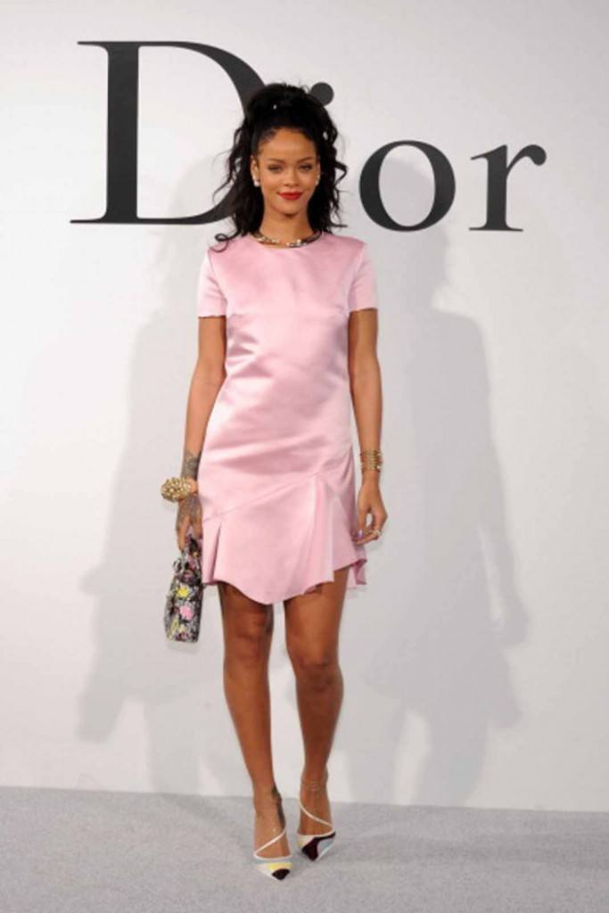 6-A-Dior-inspired-Style-683x1024 Rihanna Outfits-25 Best Dressing Styles of Rihanna to Copy
