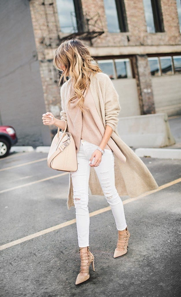 #7 - A Catchy Nude Cape Outfit with Ripped Jeans