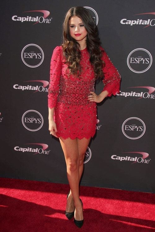 7-A-Fiery-Hot-Red-Outfit Selena Gomez Outfits-25 Best Dressing Styles of Selena to Copy