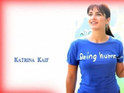 Katrina-Kaif-Blue-Tee-shirt-520x390 Katrina Kaif Outfits-25 Dressing Styles of Katrina Kaif to Copy