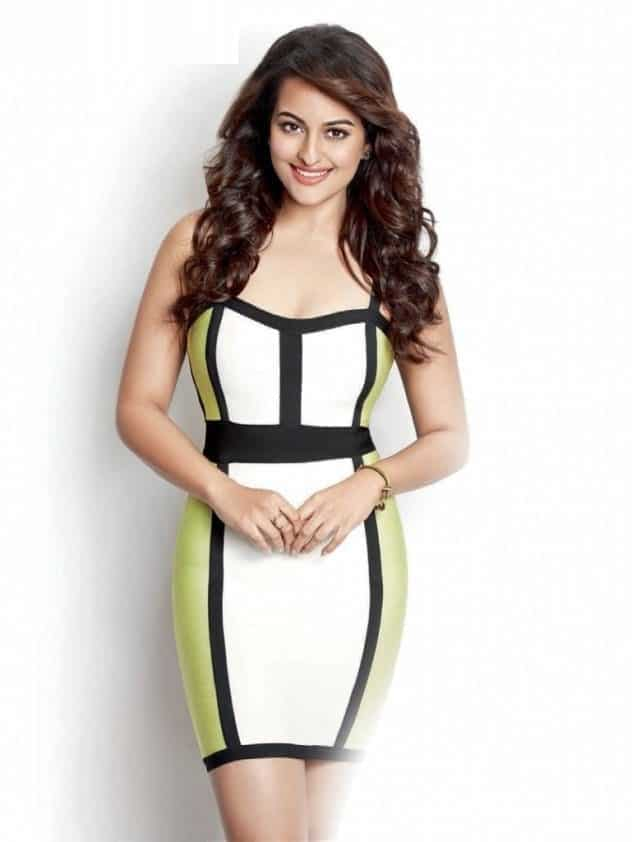 Best Sonakshi Sinha's Outfits (1)