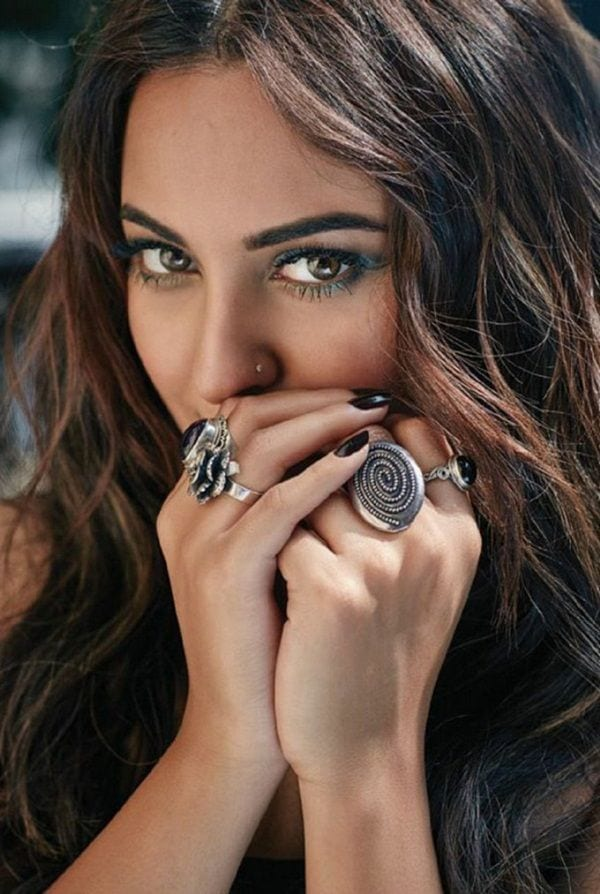 Best Outfits of Sonakshi Sinha (7)