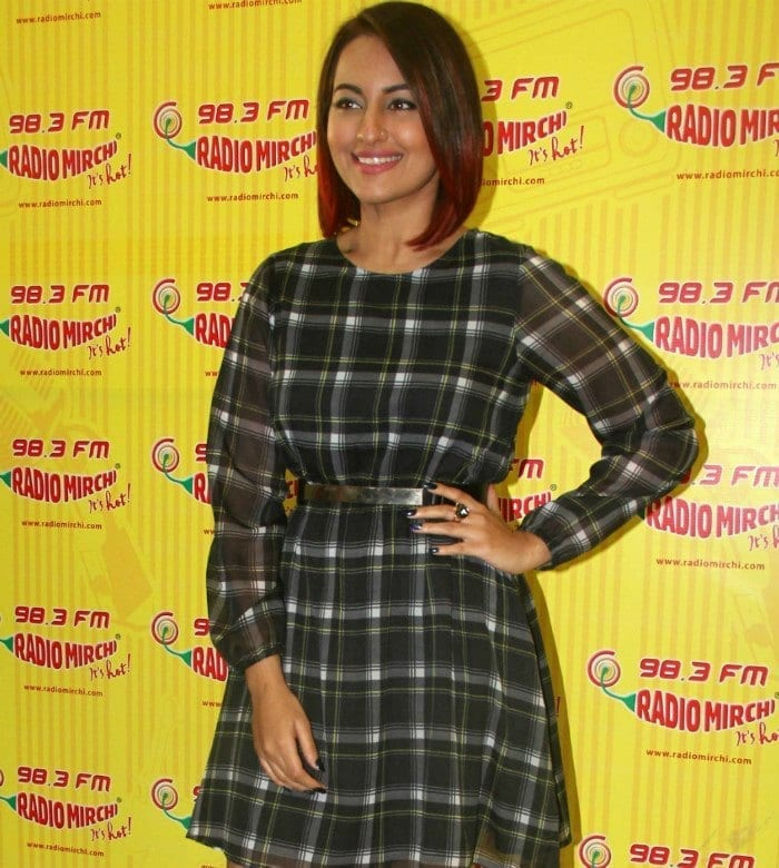 Best Sonakshi Sinha's Outfits (2)