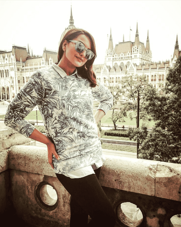 tumblr_inline_o0vxtf7kJt1tpzgz5_1280 Sonakshi Sinha Outfits-25 Dressing Styles of Sonakshi to Copy