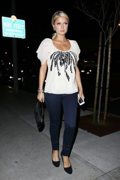 11-A-Terrific-Jeans-Style Paris Hilton Outfits-25 Best Dressing Styles of Paris Hilton to Copy