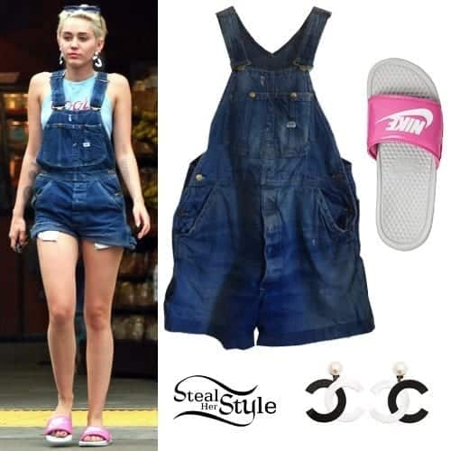 19-A-Cute-Short-Jumper Miley Cyrus Outfits-25 Best Dressing Styles of Miley Cyrus to Copy