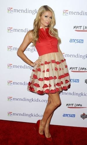 2-Lips-inspired-Dress Paris Hilton Outfits-25 Best Dressing Styles of Paris Hilton to Copy