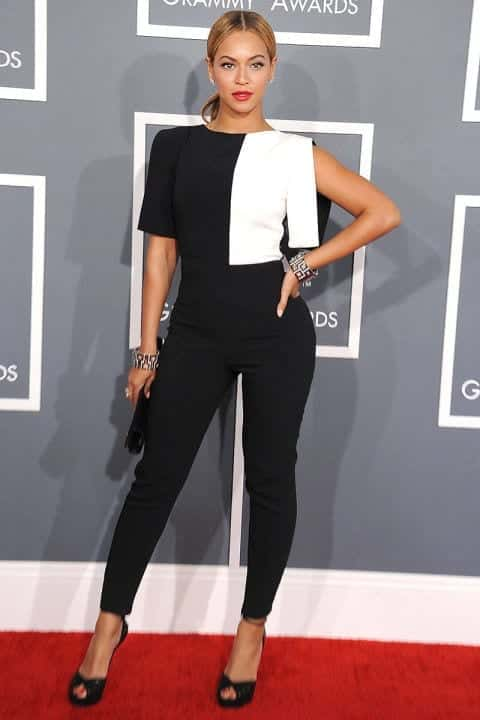 20-A-Gorgeous-Red-Carpet-Outfit Beyonce Outfits - 25 Best Dressing Styles of Beyoncé to Copy