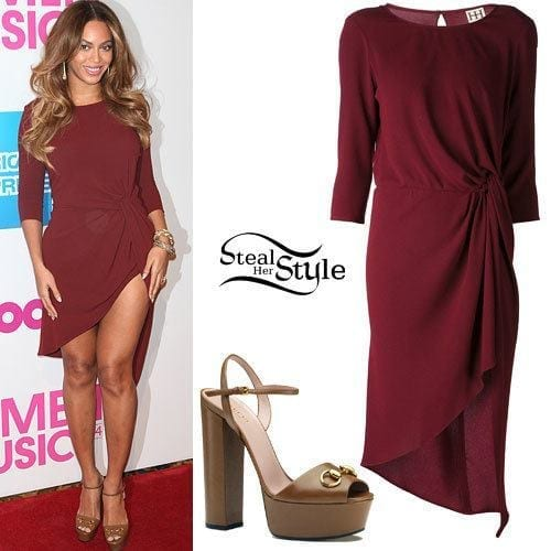 22-A-Stunning-Twisted-Dress Beyonce Outfits - 25 Best Dressing Styles of Beyoncé to Copy