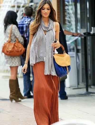 24-A-Simplistic-Long-Skirt-Style Sara Carbonero Outfits-25 Best Dressing of Sara Carbonero to Copy