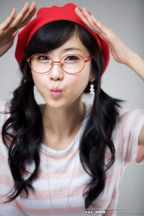 best nerdy looks for girls this year (12)