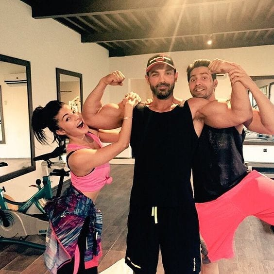 bollywood-workout-outfits-jacqueline-fernandez Bollywood Celebrities Workout Outfits-20 Top Actresses Gym Style