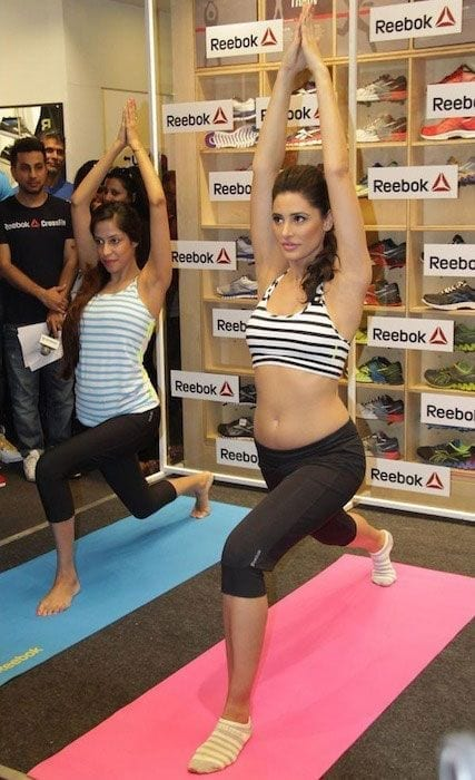 bollywood-workout-outfits-nargis-fakhri Bollywood Celebrities Workout Outfits-20 Top Actresses Gym Style