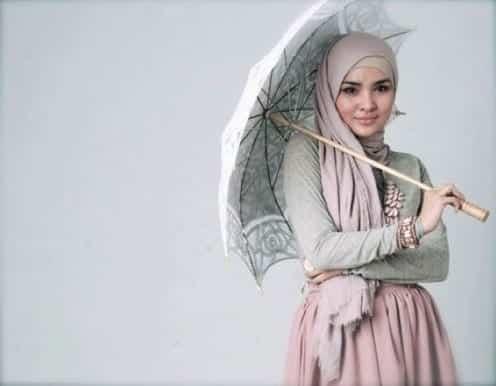 aquila-style_hijabfest2012_ria-miranda Indonesian Hijab Styles-15 New Hijab Trends In Indonesia