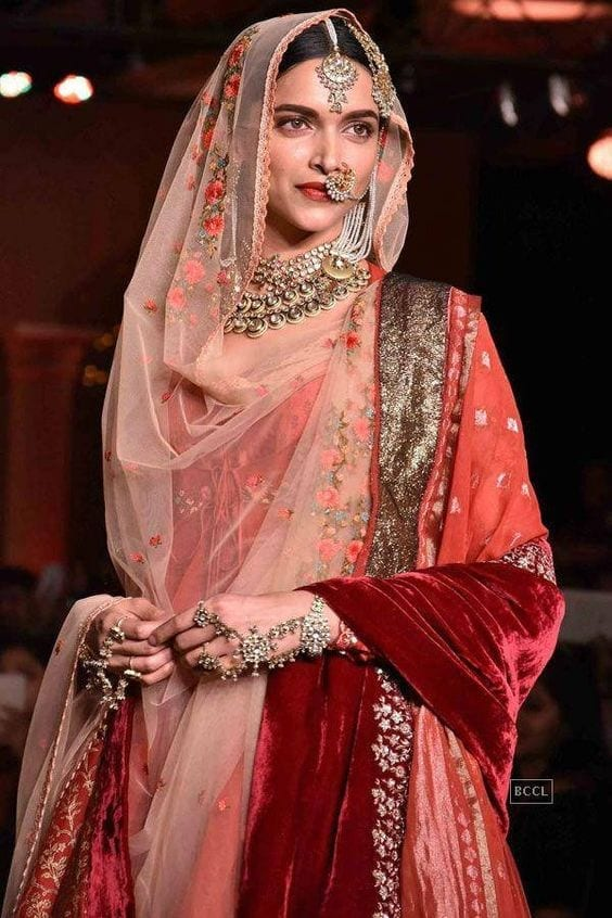 how to wear bridal lehenga dupatta (3)