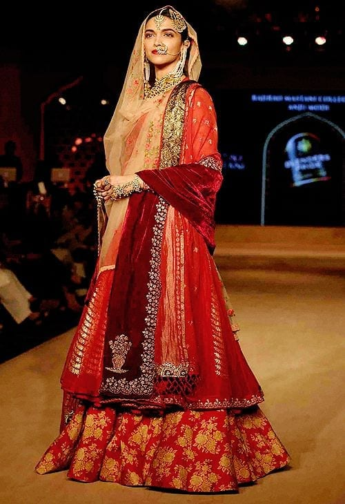 how to wear bridal lehenga dupatta (2)