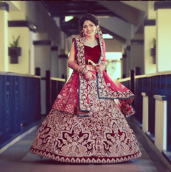 how to wear bridal lehenga dupatta (14)