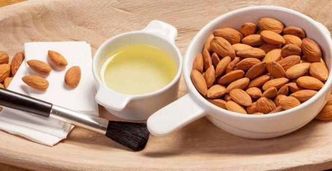 Almond-Oil-Remove-Makeup