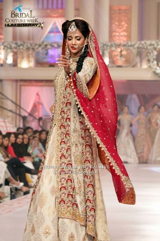 Celebrities-at-Telenor-Bridal-Couture-Week-2015-Day2-3 Bridal Dupatta Settings–17 New Ways to Drape Dupatta for A Wedding