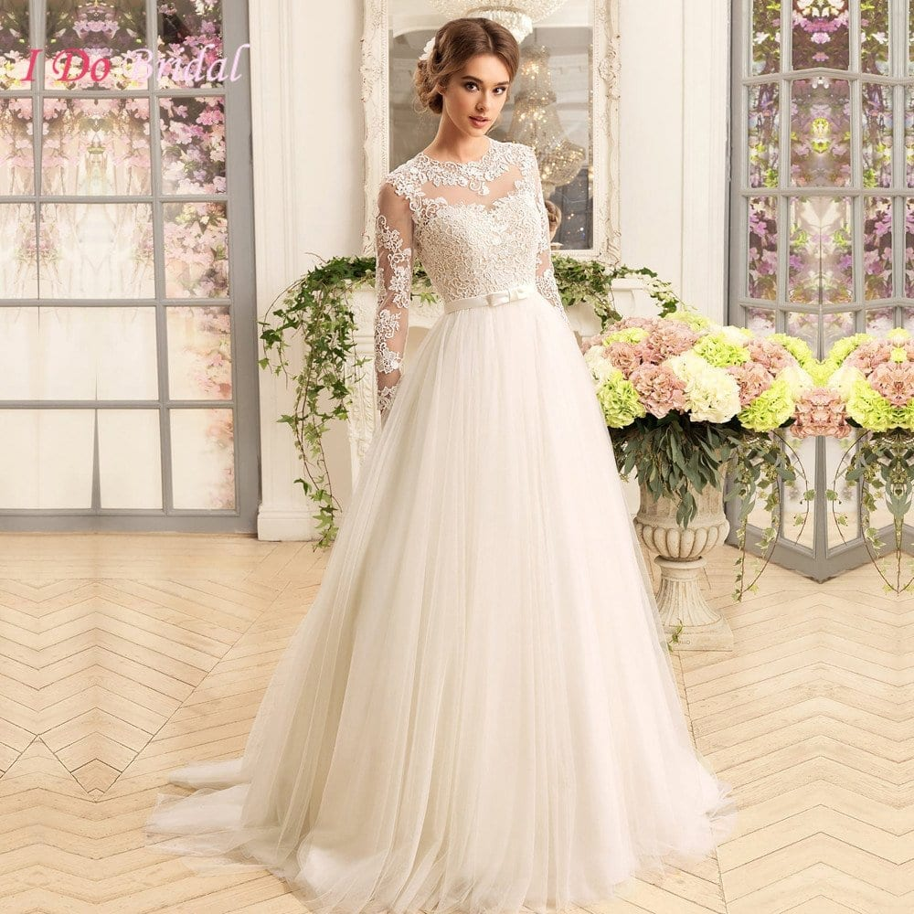 Latest bridal gowns 20 most perfect bridal gowns this year for Elegant long sleeve wedding dresses
