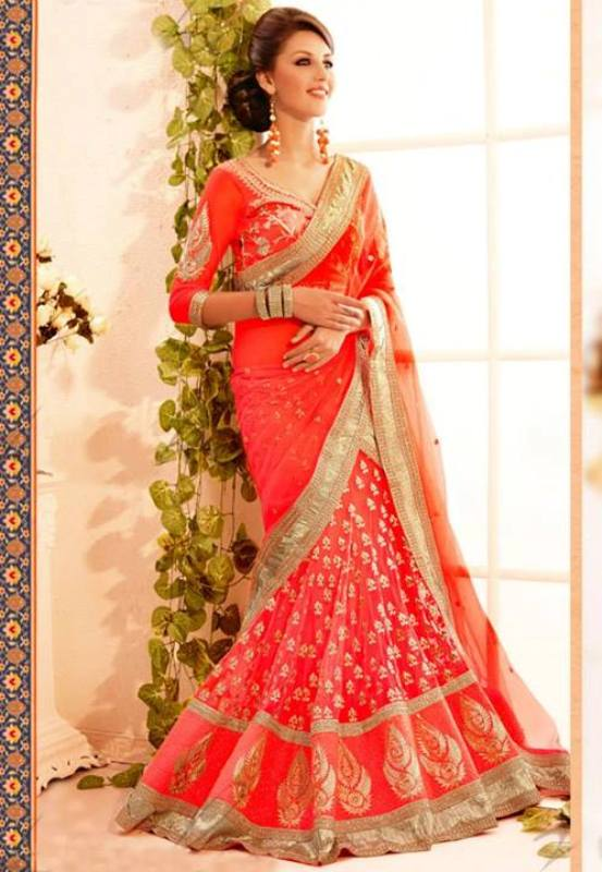 Latest-Gorgeous-Stylish-Saree-Designs-2015-For-Ladies-9 20 Best Sarees for the Mothers of The Bride this Year 2016