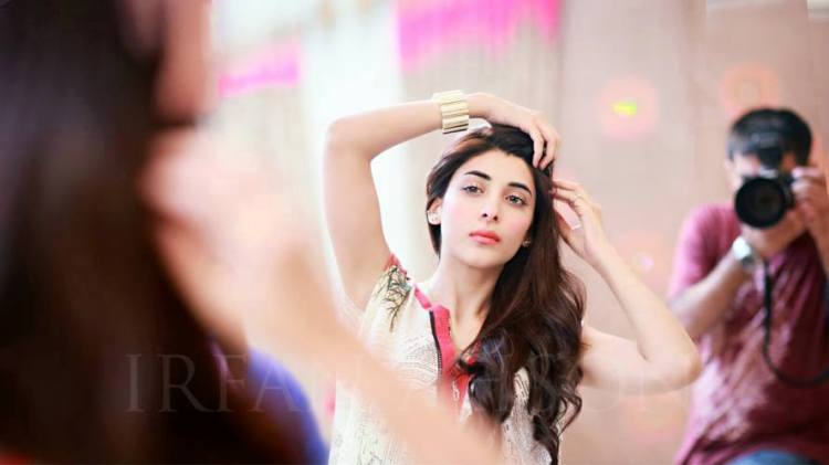 Urwa-Hocane Dholki Outfits-20 Ideas What to Wear on Dholki/Sangeet Night
