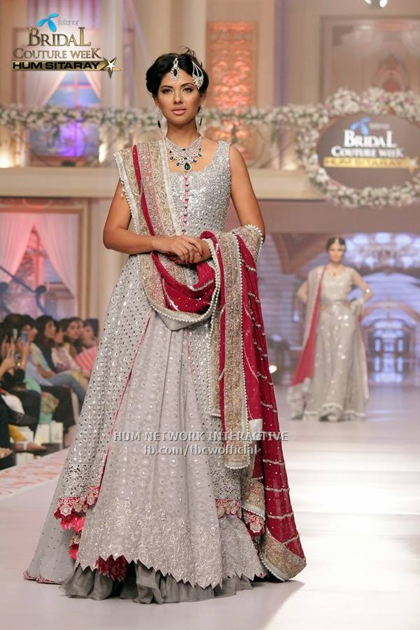 Zainab-Chottani-Bridal-Summer-Collection-2015-TBCW-Telenor-Bridal-Couture-Week-7 Bridal Dupatta Settings–17 New Ways to Drape Dupatta for A Wedding
