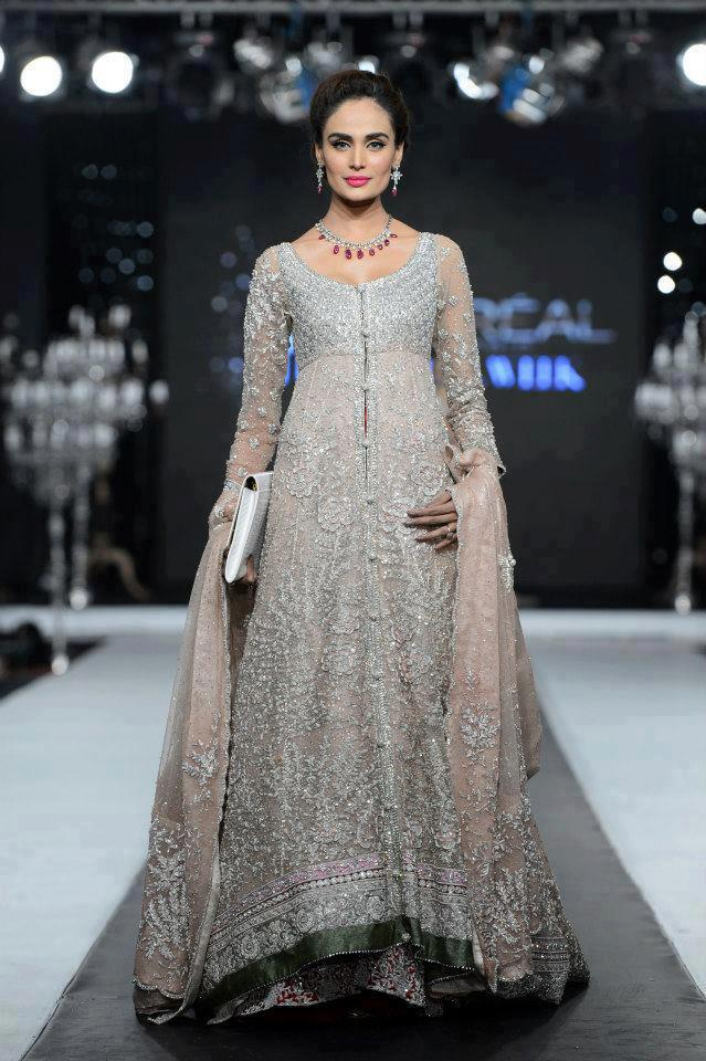designers-pakistani-bridal-gowns Latest Bridal Gowns - 20 Most Perfect Bridal Gowns this Year