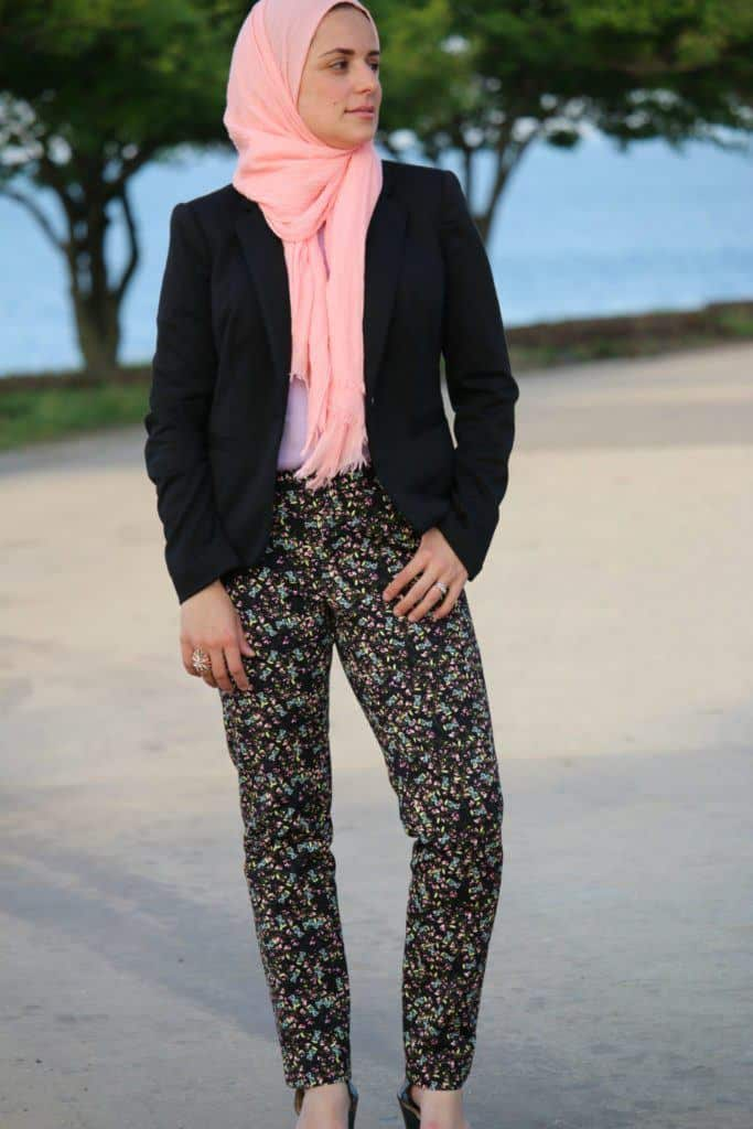 pastel-hijab-with-floral-outfit-683x1024 Top 20 Hijab Style Trends for Muslim Women These Days