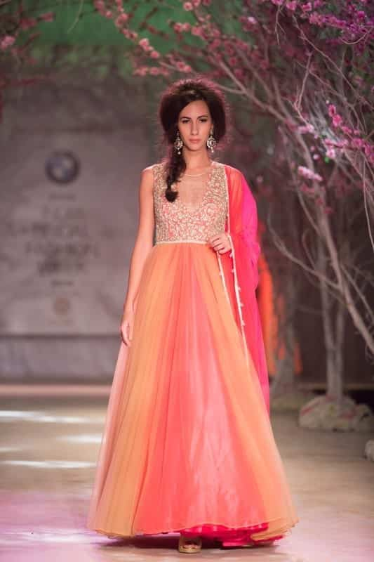 pink-flowing-gown-for-an-Indian-wedding-11 Latest Bridal Gowns - 20 Most Perfect Bridal Gowns this Year