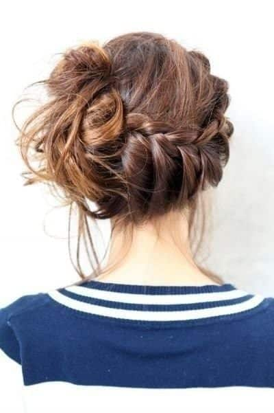 sexy-bun Skinny Girl Hair Looks - 25 Best Hairstyles for Skinny Girls