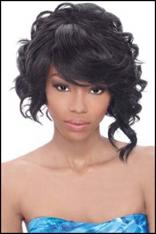 short-curly-hairstyle-for-black-woman-1 Skinny Girl Hair Looks - 25 Best Hairstyles for Skinny Girls