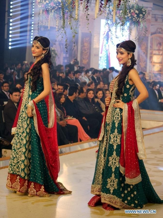 urwa-and-marwa Dholki Outfits-20 Ideas What to Wear on Dholki/Sangeet Night
