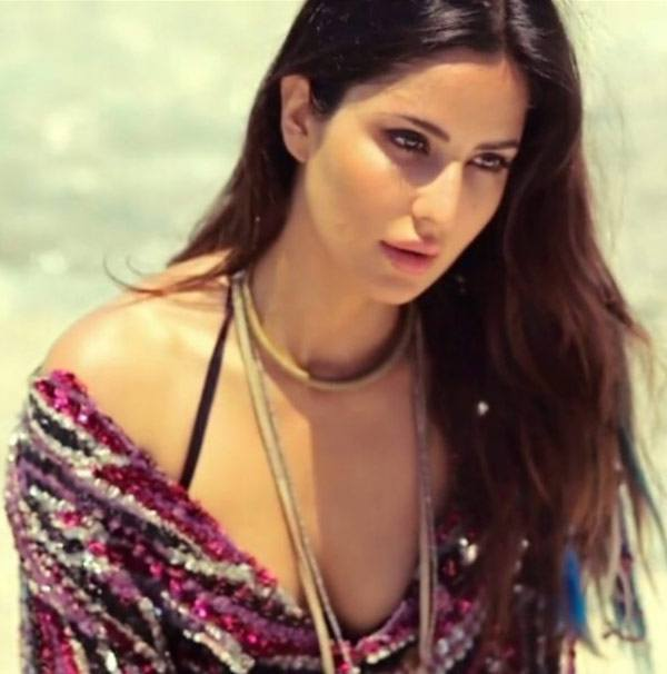 Katrina-Kaif-20821_42150 Bollywood Actresses Swag-15 Best Swag Looks of Bollywood Actresses