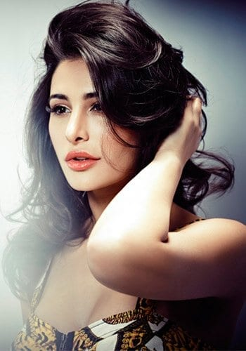 Nargis-Fakhri Bollywood Actresses Swag-15 Best Swag Looks of Bollywood Actresses