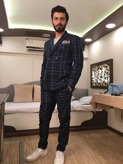 fawad-6 Fawad Khan Dressing Styles-27 Best Outfits of Fawad Khan to Copy