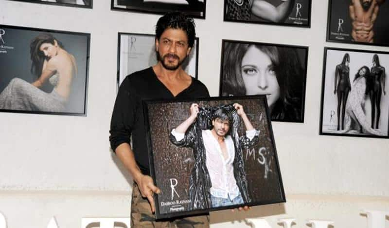 Calender-launch Shahrukh Khan Pictures–30 Most Stylish Pictures Of Shahrukh Khan
