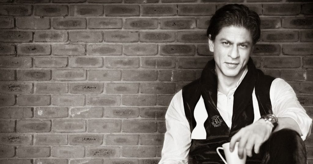 Shahrukh_Khan_Background_Wallpaper-1024x538 Shahrukh Khan Pictures–30 Most Stylish Pictures Of Shahrukh Khan