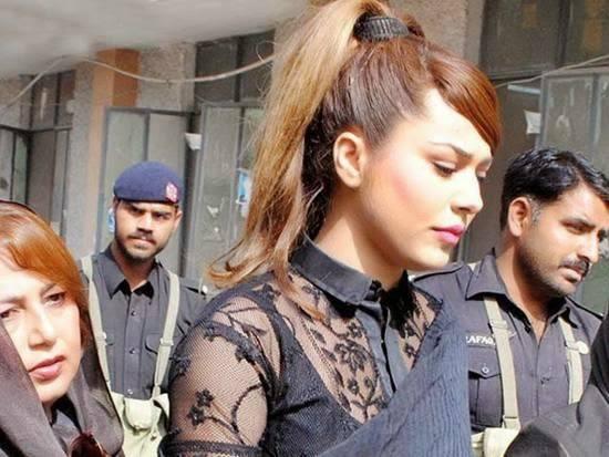 Ayyan-photos Pakistani Actresses without Makeup-Shocking Photos of Actresses with No Makeup